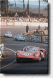 Le Mans 24 h 1965: The works-330P2 s/n 0836 of Jean Guichet and Mike Parkes retired.