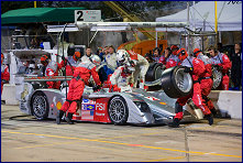 Dindo Capello and Allan McNish during the driver change